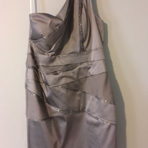 One shoulder silver dress